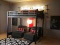 Стул и интерьер комнаты для подростка мальчика 14 лет