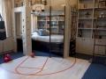 Красивая детская комната со спортивным уголком фото