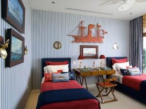 Арт-интерьер маленькой детской комнаты для мальчика фото