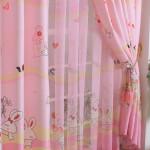 Дизайн штор для детской комнаты делается также и своими руками