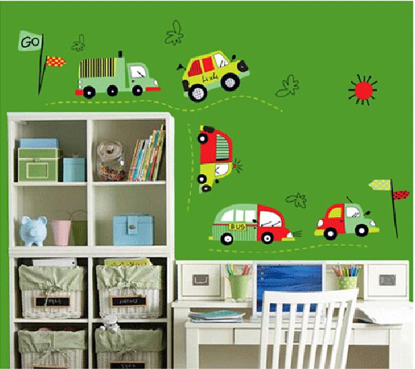 Как выбрать обои для детской комнаты мальчика, чтобы ребенку было комфортно.