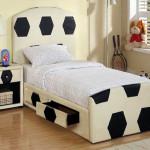 Минималистический интерьер детской комнаты для мальчика