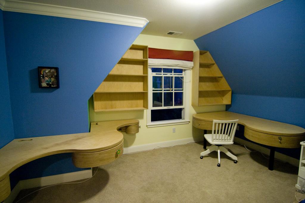 Дизайн детской комнаты для двух мальчиков и разделение пространства