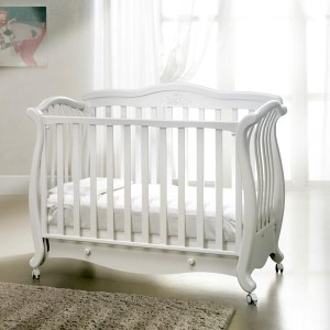 Детская мебель из фанеры в белом стиле