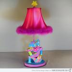 Необычный светильник и мебель детская комната для девочки