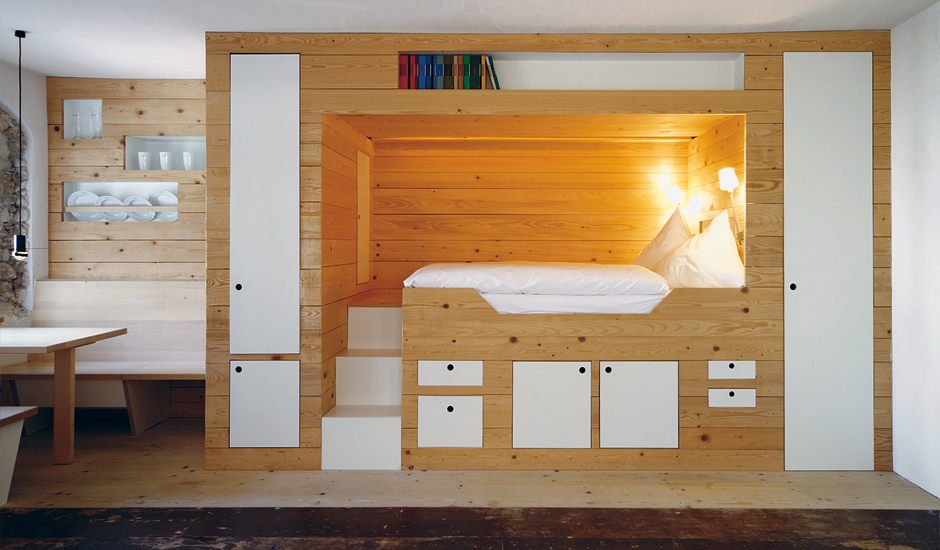 Кровать с подиумом и ящиками своими руками