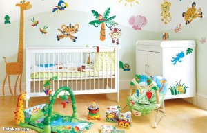 Красочные наклейки на обои в детскую комнату