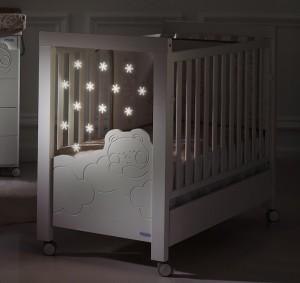 Подсветка детской кроватки младенцу