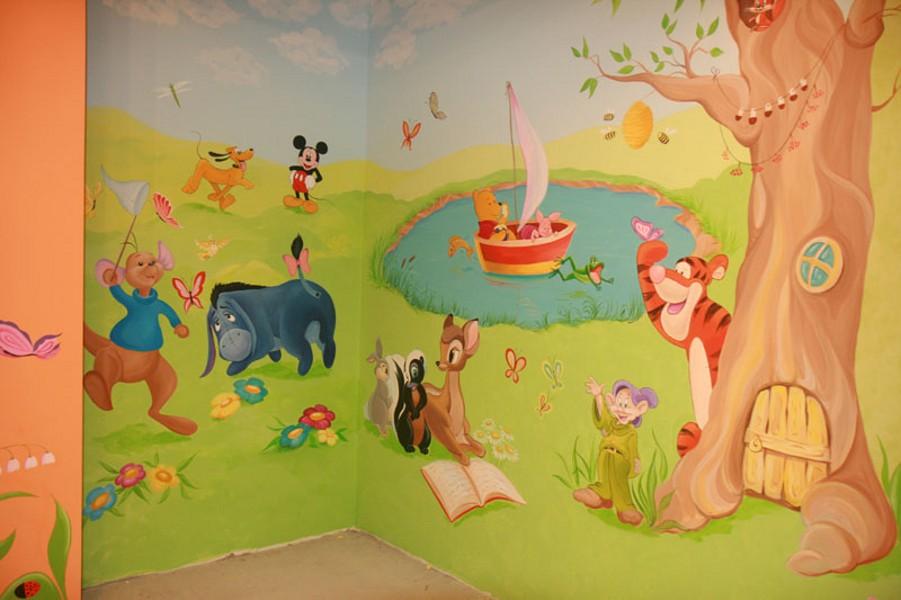 Идея интерьера. Роспись стен в детской комнате фото на выбор