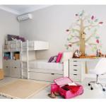 Светлый дизайн и планировка детской комнаты для девочки