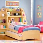 Детская кровать с ящиками для хранения и стенкой
