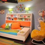 Детский диван кровать с бортиками с красивой стенкой
