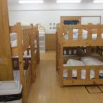 Двухъярусная кровать для ребенка 2 лет с бортиками