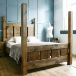 Изящная аккуратная кровать своими руками из дерева фото