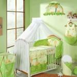 Нежный белый балдахин на детскую кроватку