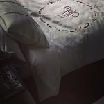 Покрывало на кровать своими руками фото с вышивкой