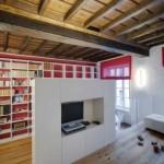 Просторный подиум с выдвижной кроватью фото