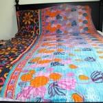 Разноцветное легкое покрывало на кровать своими руками фото