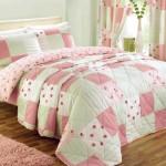 Розовые красивые покрывала на кровать фото