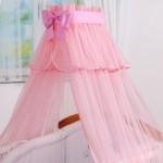 Розовый балдахин на детскую кроватку для девочки