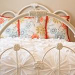 Шьем покрывало на кровать своими руками фото с узорами