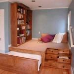 Выдвижная кровать подиум с удобными ящиками по бокам