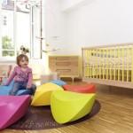 Яркая кровать для ребенка 2 лет с бортиками