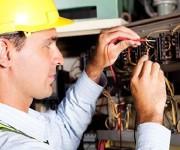 Как найти хорошего электрика во время ремонта