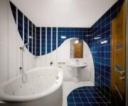 Маленькая ванная комната и правила ее обустройства