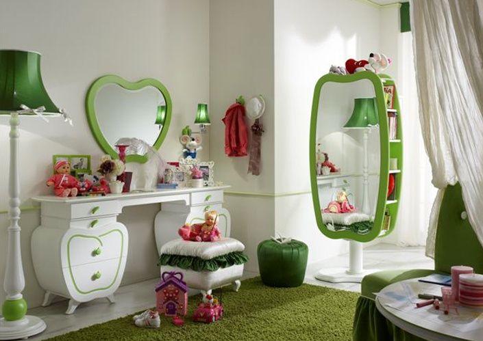Значение зеркала в интерьере детской комнаты