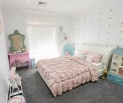 Мебель в детскую для активных игр, и её полное отсутствие на мансарде