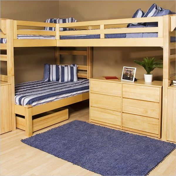Расположение кроватей с разводом угла в 90 градусов