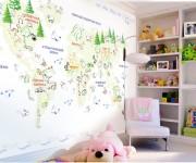 Карта мира в интерьере детской комнаты