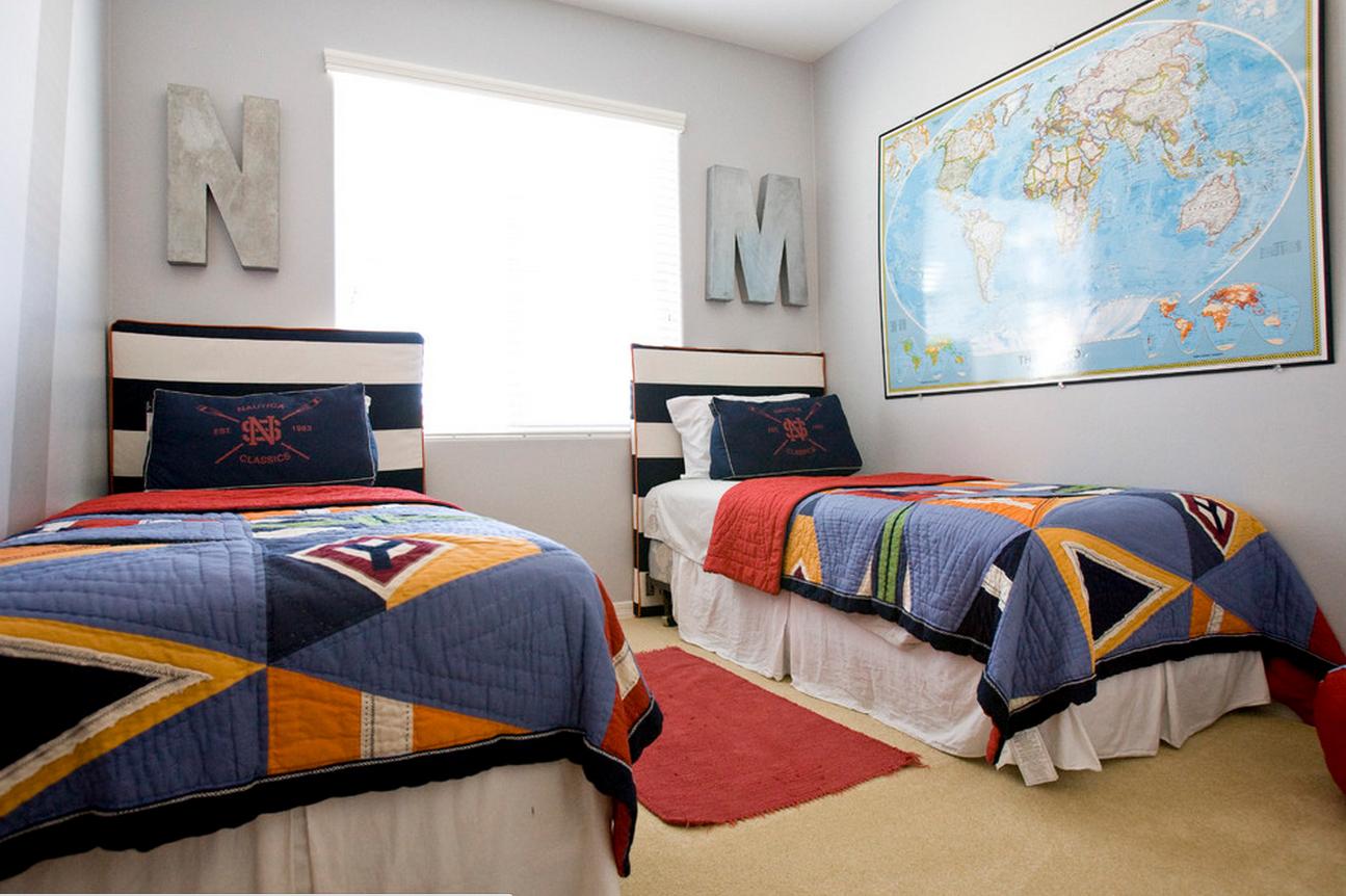 Дизайн комнаты с двумя кроватями для подростков