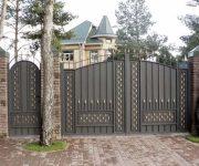 Ворота из профнастила – стильно и практично