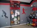Оригинальная детская комната со спортивным уголком
