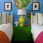 интерьер детской комнаты для разнополых детей с картой мира