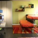Дизайн детской комнаты для двух мальчиков и кровати