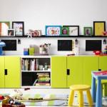 Яркая мебель для маленькой детской комнаты для мальчика