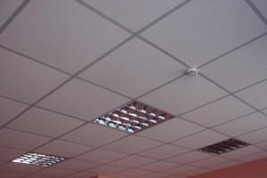Потолочные плитки армстронг и освешение