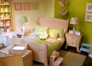 Двуспальная детская деревянная мебель