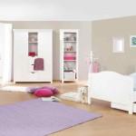 Мебель для маленькой детской комнаты для девочки светлая