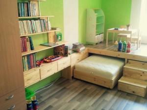 Дизайнерская детская кровать подиум с рабочей зоной