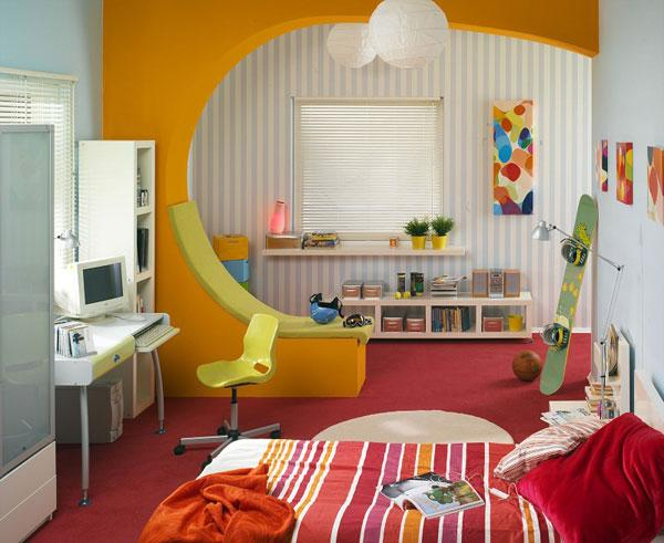 Оранжевое зонирование детской комнаты для девочки