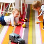Полосатые ковры в детскую комнату для девочки