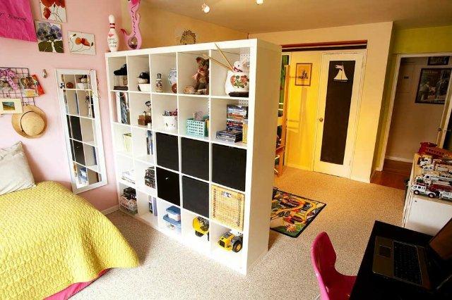 Шикарное зонирование детской комнаты перегородками и дизайн