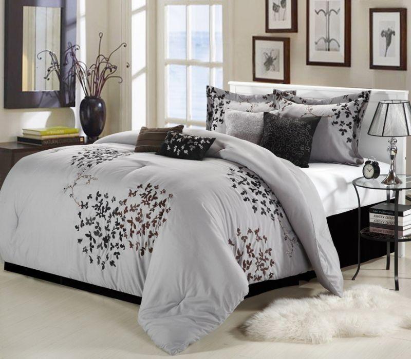 Белое нежное покрывало на кровать в спальню фото новинки