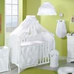Белоснежный красивый балдахин на детскую кроватку