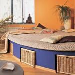 Круглый подиум с выдвижной кроватью фото