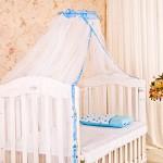 Привлекательный белый балдахин на детскую кроватку